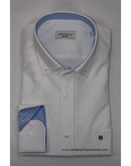 Pertegaz camisa blanca