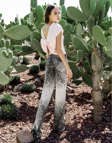 Laura Bernal pantalón vestir estampado