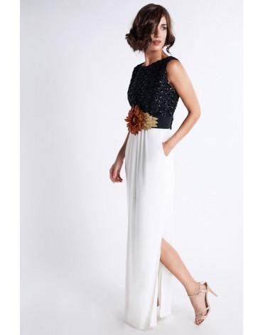 Matilde Cano vestido largo blanco y negro