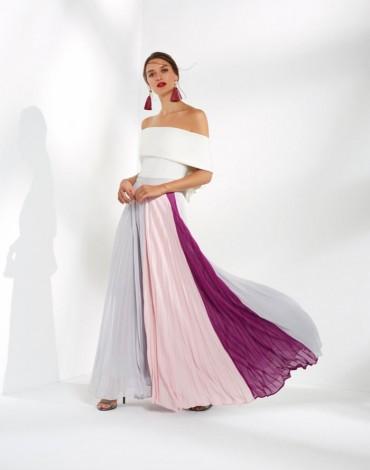 Matilde Cano conjunto falda plisada