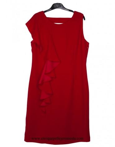 Laura Bernal vestido rojo volante
