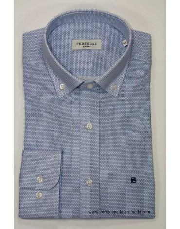 Pertegaz camisa azul con dibujo