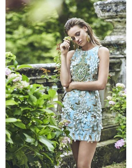fdbd7fa53 Matilde Cano vestido con aplicaciones tipo joya coleccion verano 2019