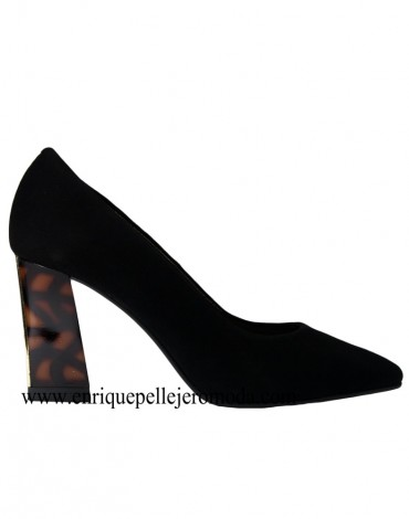 Daniela black shoes heel carey