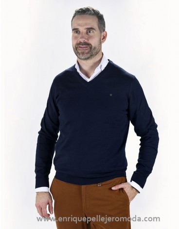 Pertegaz navy v-neck sweater