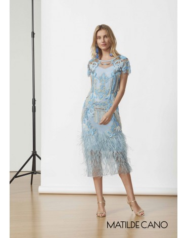 Matilde Cano vestido pedrería plumas