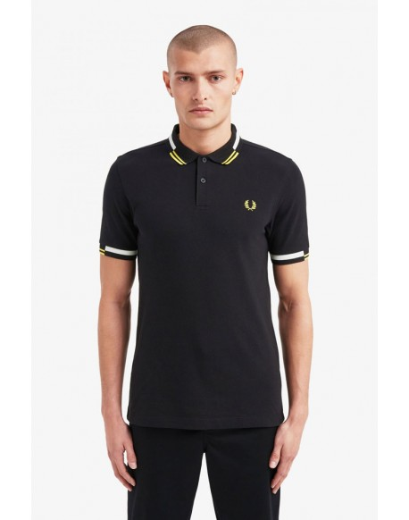 Fred Perry polo negro ribete abstracto