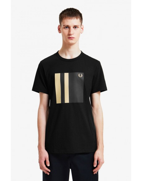Fred Perry black trim t-shirt