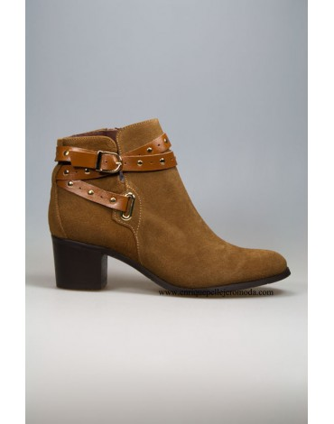 Daniela camel suede ankle boots