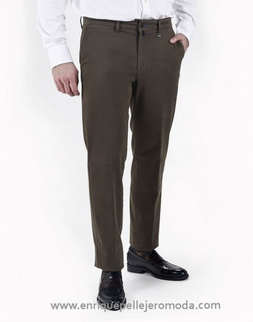 Pertegaz pantalón chino caqui