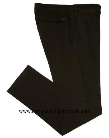 Pertegaz green chino trousers drawing