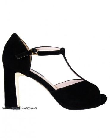 Daniela black sandals