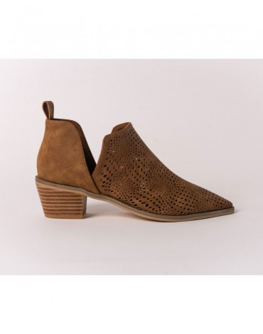 SMF die-cut camel ankle boot