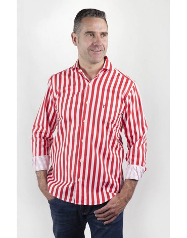 Red striped shirt Enrique Pellejero