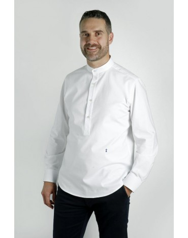 White linen T-shirt with Mao collar