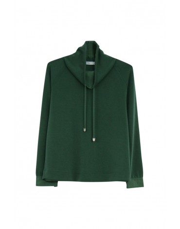 MdM green sweatshirt