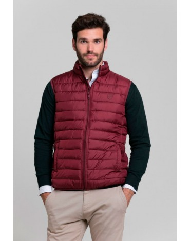 Valecuatro maroon padded vest